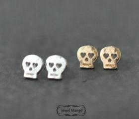 -FREE SHIP- Skull stud Earrings - gold or silver,
